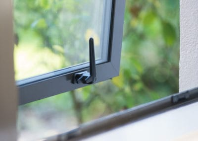 Close-up of retro double glazed aluminium joAinery